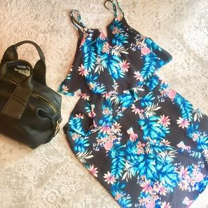 🎉 HP 🎉 NWOT Monteau Maxi Dress